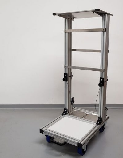 Klappfahrstativ für den mobilen Anästhesiearbeitsplatz   TSL Medizintechnik